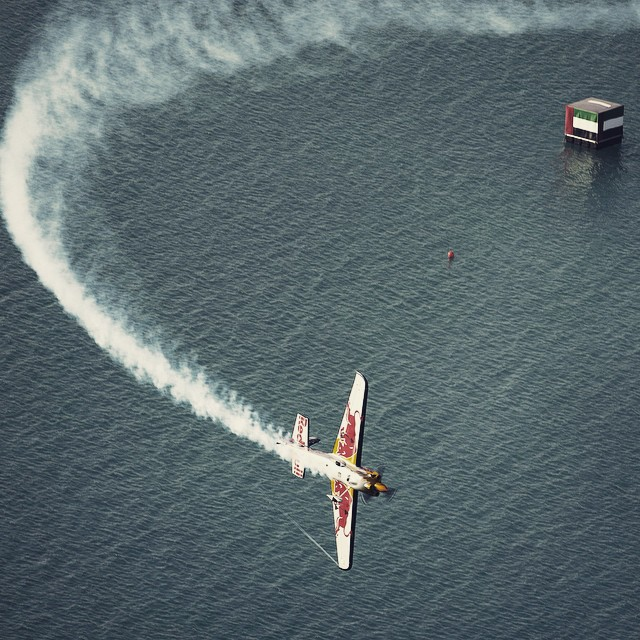 Destination Abu Dhabi. #smokeon @redbullairrace #airrace #firststop