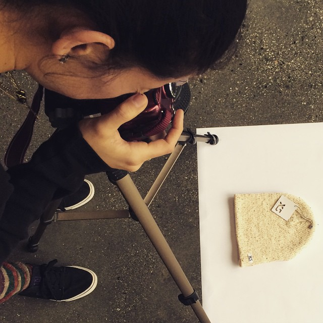 The lovely @cocomarii shooting our new @xshelmets beanie today. Thanks for the help! New colour is cream and gold, available next week #lurex #gold #beanie #xshelmets