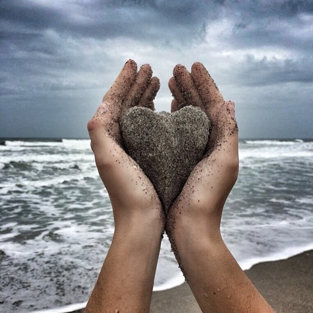 """Sending loving words from Mexico, """"You are not a drop in the ocean. You are the entire ocean in a drop"""" — Rumi HAPPY VALENTINES DAY! ❤️ Don't forget how amazing and talented you are! It's time to believe in you, and to love yourself unconditionally...."""