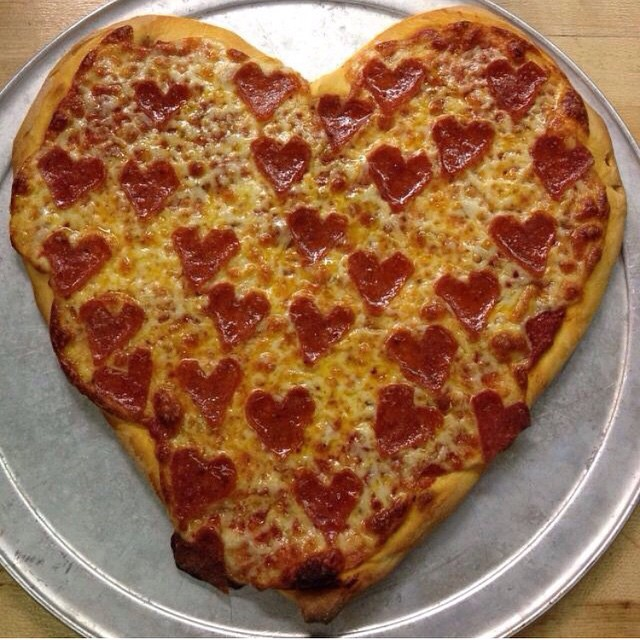 Share this #valentinesday with someone or something you love ❤️ #ilovepizza