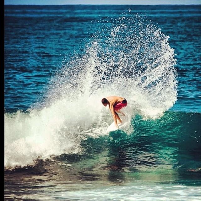 Nuestro raider Felipe Suárez @felisuarez1 #Hawaii #Norshore PH: @juanbacagianis #volcomfamily #surf #volcom