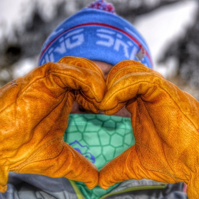 Can't spell gLOVE without LOVE! Tag your valentine to enter a BEANIE GIVE('r)AWAY! Happy Valentine's Day! Winner will be chosen tomorrow night!  #regramizzle #jacksonhole #giveaway