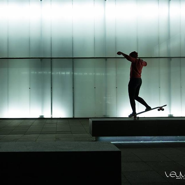 Go to www.longboardgirlscrew.com and check #LGC German rider @giulia.alfeo latest edit 'come dance with me' shot in #Cologne by the talented @veyveyfilms crew.  Enjoy your Sunday family!  #longboardgirlscrew #girlswhoshred #giuliaalfeo #cologne #köln