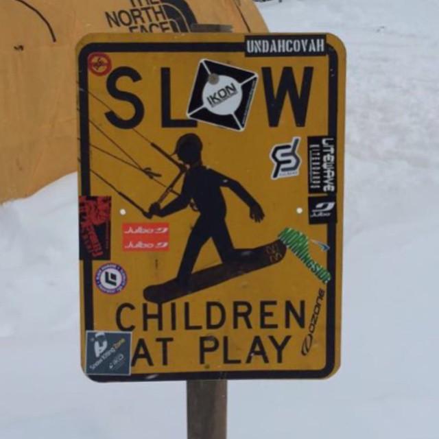 #snowkite #snowboard @pcmittelstadt @starkites @kitegirlsunited #JustSendIt @sch_media #snowboarding #sendit #getouttheway