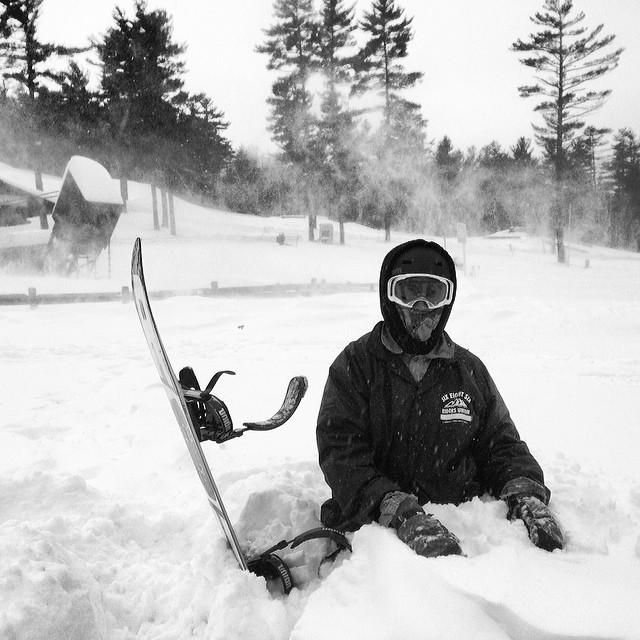 Waist deep pow day at @nashobaparks @skinashoba #hotlaps #powparkday #powpow #snowboarding #steezmagazine #nashoba