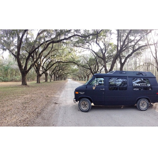 S A V A N N A H | @advanture_mobile tour while dropping orders off in Georgia #stzlife #adventure #spanishmoss #stayoutside #wormsloe #runforest #georgia #roadtrip