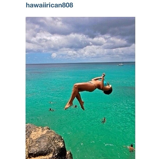 #Vote for @hawaiirican808 to be our #bikiniadventure winner! #like this #photo to vote! @thesurfchannel