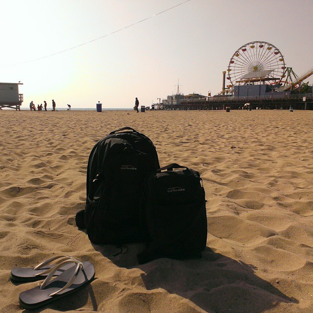 It's #beach time! Chillin' in the sand and sun with the Tahoe backpack & cooler. #backpacks #coolers #santamonica #summerallthetime #graniterocx