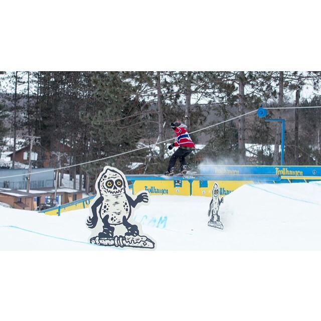 Team rider from #Minnesota @azizipflipsen❄️#FrostyHeadwear #Snowboarding