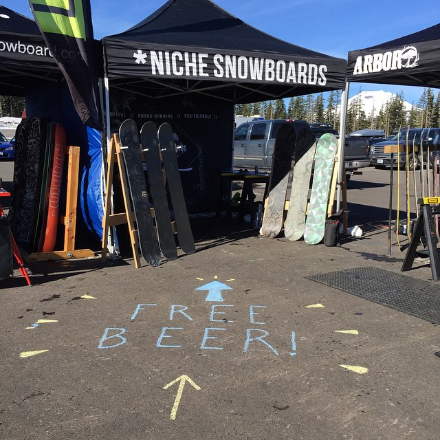 Guys, guys.. We've got #freebeer. Bachelor demo is going off Tuesday and Wednesday! Looking forward to another fun day tomorrow! #nichesnowboards