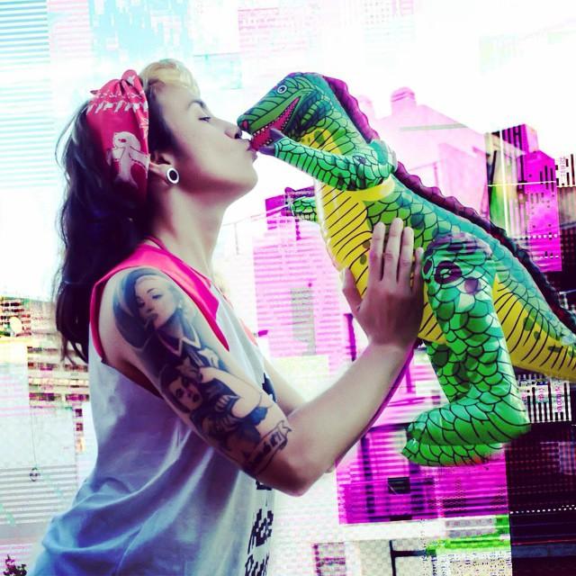 ❤️ #love #kiss #dino #amor #pixel #pixelart #sanvalentin #design #tattoo #bandana #red #cool #happy