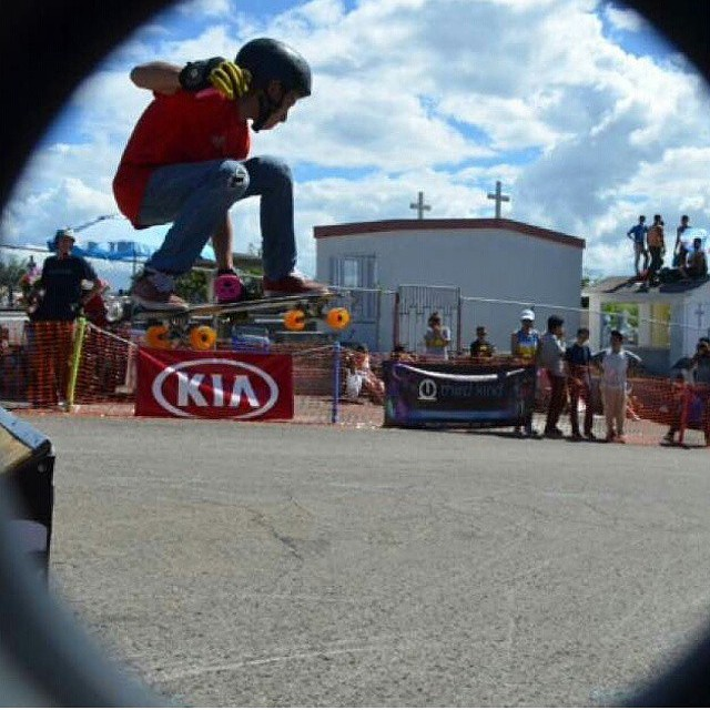 @albert_yadhiel keeping it holesom in the airrr #puertorico #keepitholesom