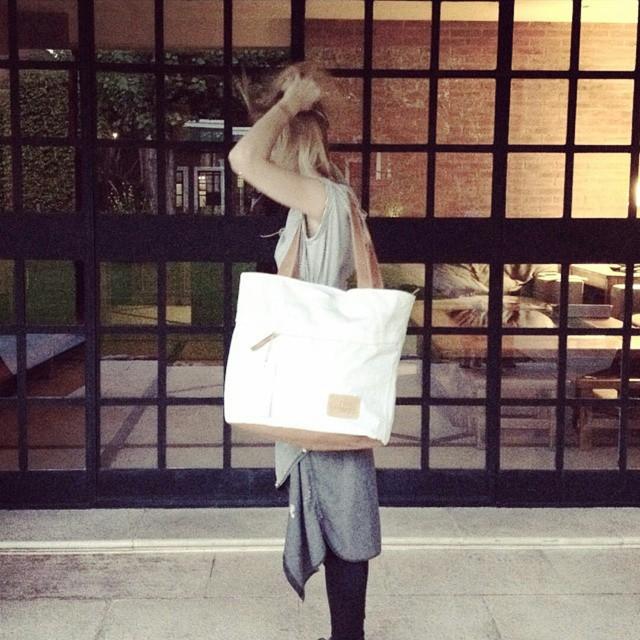 BOLSO DACRON •S• en @lena_martorello y proximamente en nuestro showroom !