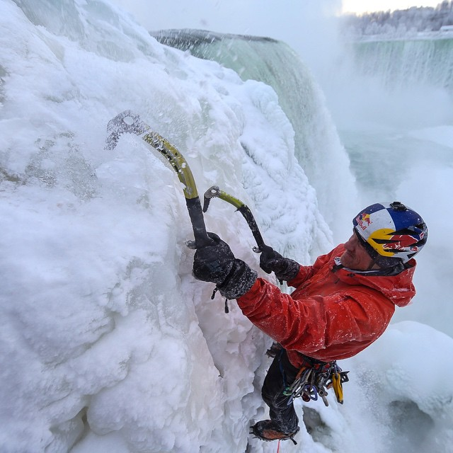 Niagara Falls is Frozen again?! @realwillgadd, ready for Round 2?  #TBT