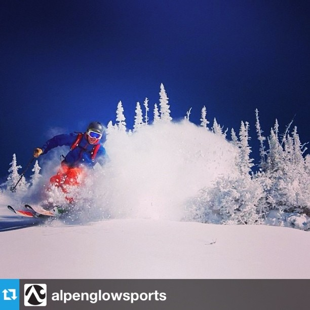 Hey Monday, you don't look so bad! Oh wait, we were dreaming. #prayforsnow #skiing #tahoe #regram @alpenglowsports