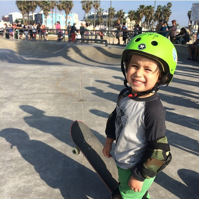 3 year old little ripper @stuntmanjake2011 stoked to skate Venice snakerun for the first time. Jake wears the S1 Mini Lifer Helmet. Great fit + Best protection . #kidsthatrip #grom #veniceskatepark #skateboarder #skateboarding #stoked #california...