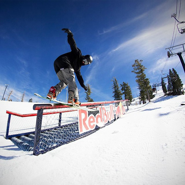 Another great shot from our @borealmtn shoot, Thrive rider @antonryzenkov locks it down on the #redbull feature. #thrivesnowboards #Relentless #tahoe #borealmagic #snowboarding @redbull @redbulltahoe