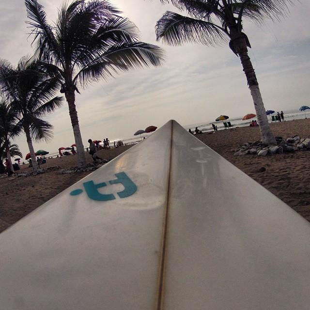 Disfrutando del mar! Placeres de la vida!  #surf #surfing #peru #trujillo #wave #ufitargentina  #ufit