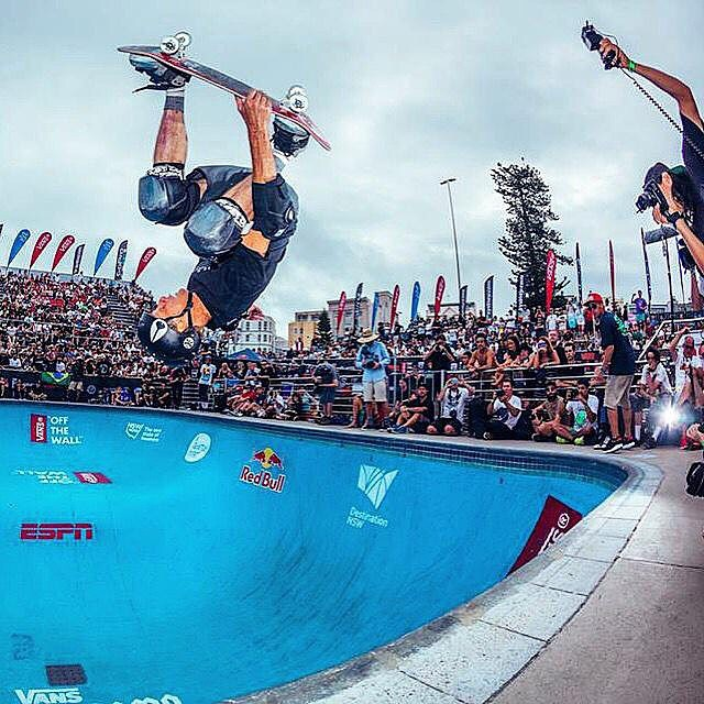 Congrats to @tonyhawk on his Masters Division win at this year's @bowl_a_rama!