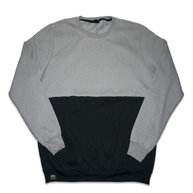 During your sunday struggle browse over to www.MYSTZ.com | find products like this and more | promo code: stzlife10 | #stzlife #professionaloutsider #crewneck #1shadeofgrey #snowboard #stillwinter