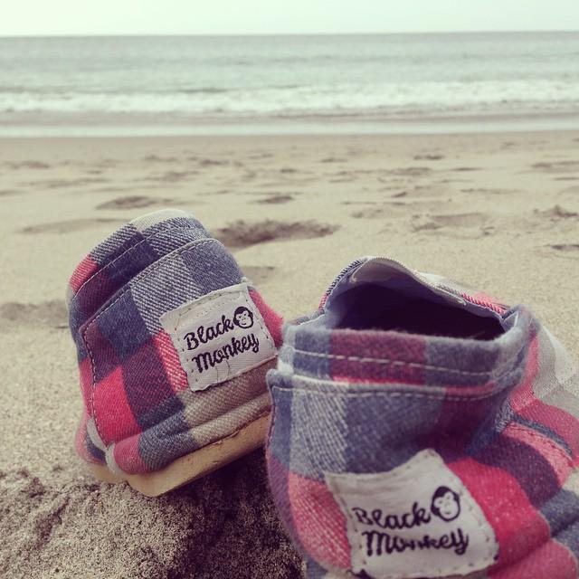 Unicas para una caminata por la playa! ✌️☀️