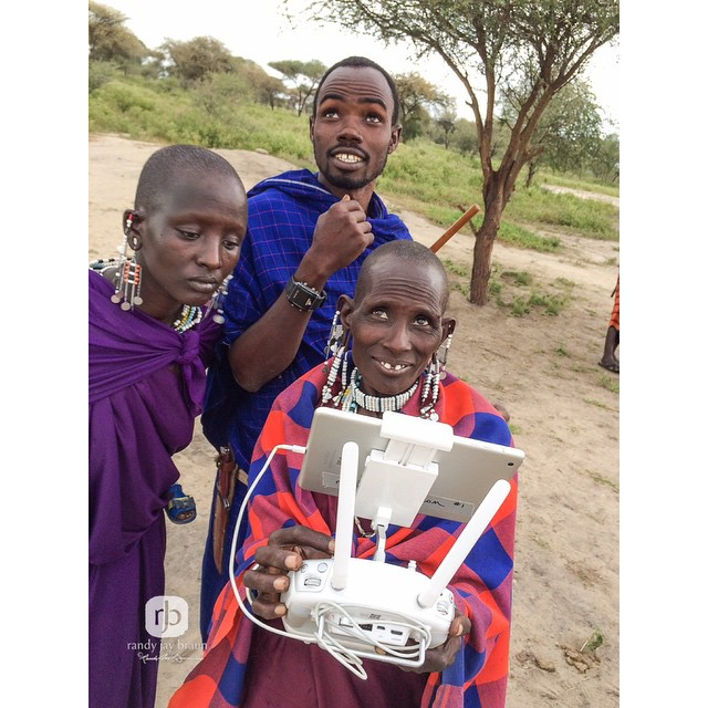 To connect across borders, to share the joy of flight. The #Maasai tribe of #Kenya just welcomed their very first #femalepilot with a #DJI #inspire1.  Discovering the joy of flight was only part of the experience they received, as well as seeing Kenya...