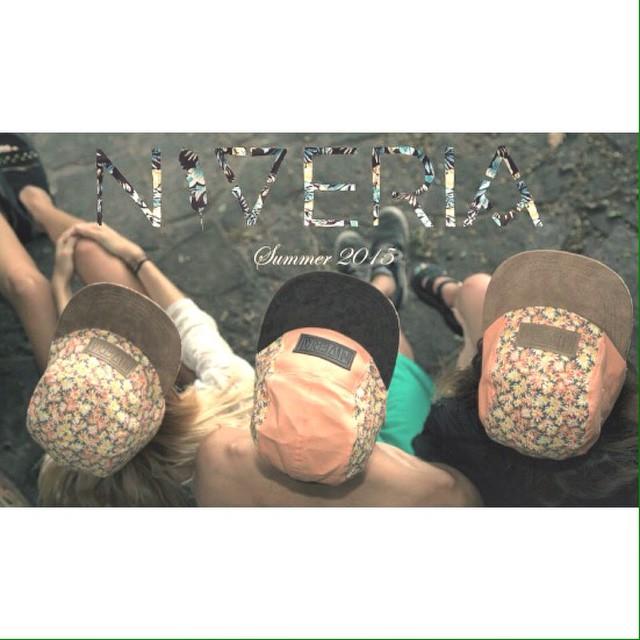-N•V•R- #niveria#niverialaqva#nvr#flower#caps#gorras#summer#fortheladys#miércolesdchupitos#nvrforthepeople#hacelanolodudes#úsalaqva