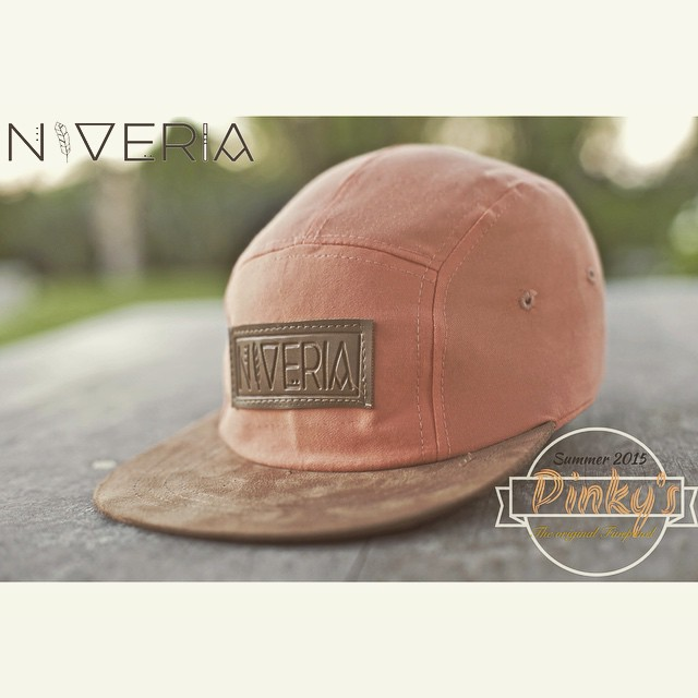 -NVR- Modelos: Pinky's #niverialaqva#niveria#nvr#summer#verano#neverends#pinkys#coralstyle#forthechurris#original5panel#caps#gorras#antilunes#buen lunesparatodos#niveriaforeveryone