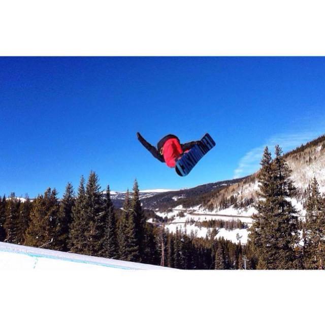 Team rider from #Colorado @coltonbalentine❄️#FrostyHeadwear #Snowboarding #EmbraceYourOpportunity