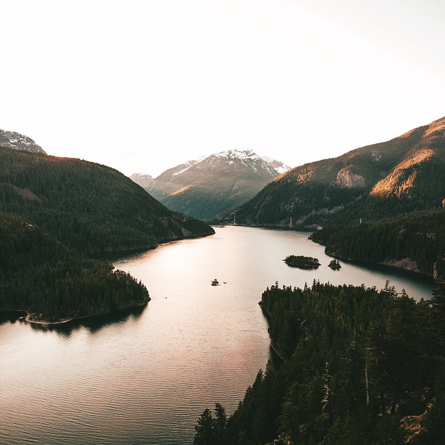 My girlfriend @emilykrob and I had a Valentine's Day picnic at Diablo Lake about a week ago. And we witnessed one of the best sunsets we have ever seen. Unreal.  Nothing beats watching the sun setting at Diablo Lake. One of my favorite spots. Hands...