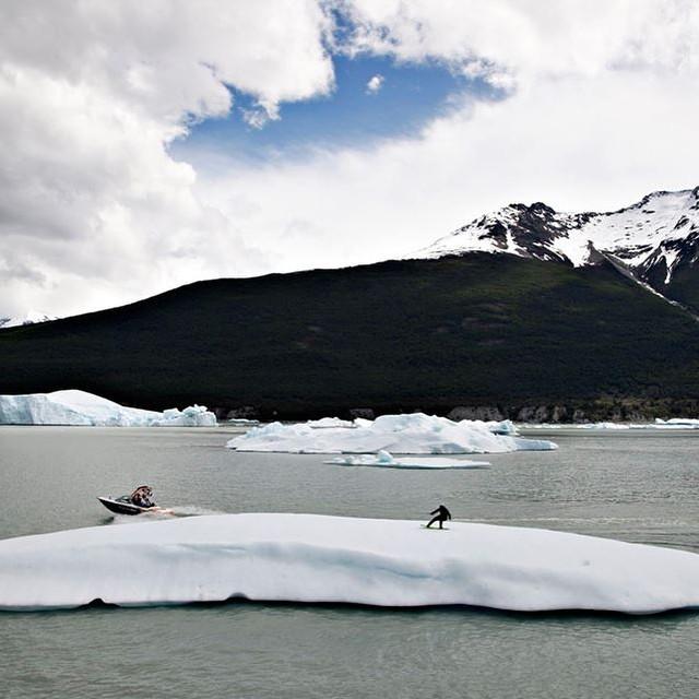 Flashback al límite: Wakeboard en el Parque Nacional Los Glaciares con @tomikaragozian #Wakeboard #GlaciarUpsala #Reefargentina