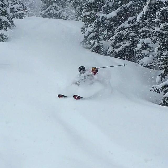 Just your typical everyday lunch break slashing Pow turns! #skiing #whiteroom #earnyourturns @libertyskis
