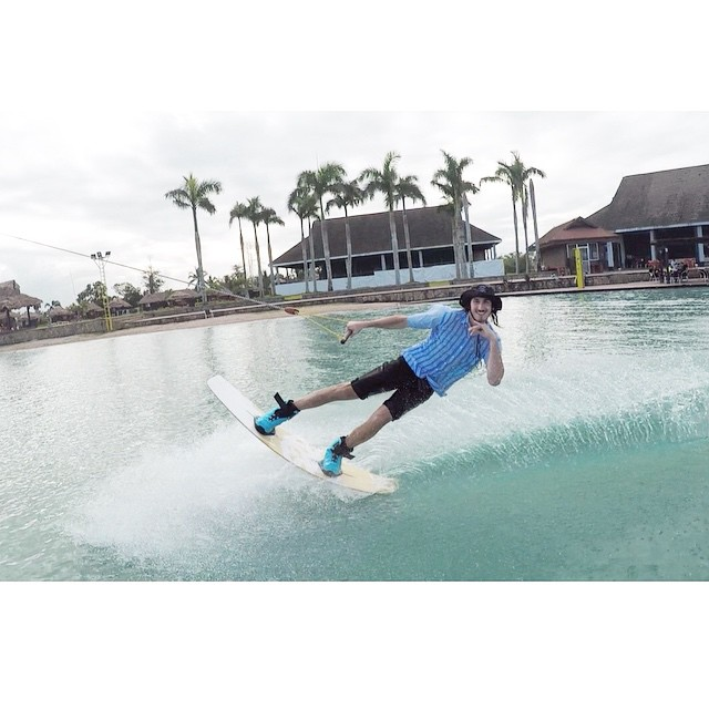 EVERY DAY IS HUMP DAY for @wesleymarkjacobsen | He would go on vacation but his whole life's a weekend | #stzlife #wakeboard #eatmyjorts #camsur #talldudetallboard #nailedit #humpday