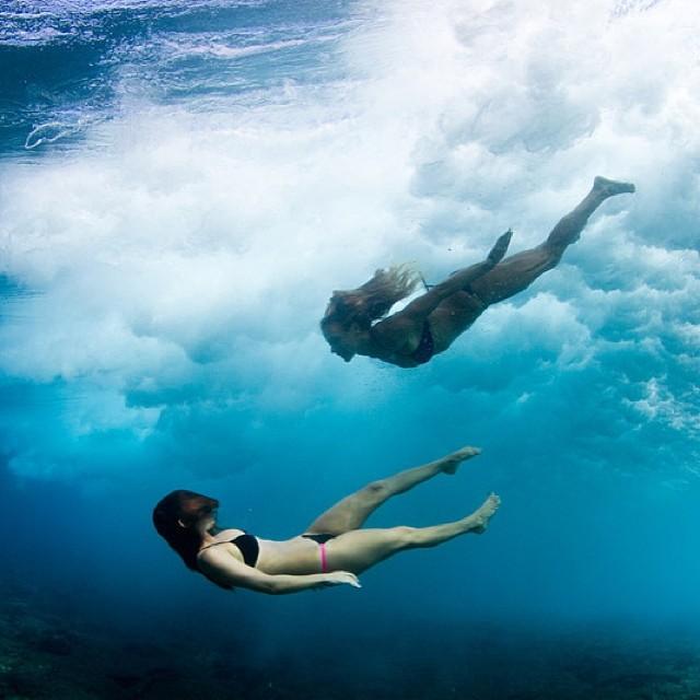 Double trouble @swellliving #sarahleephoto @odinasurf #ecobikini