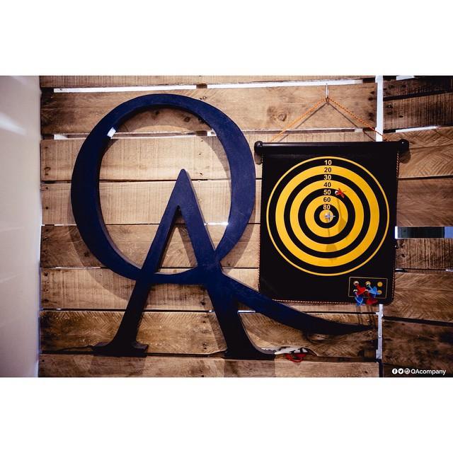 Estás justo en el blanco. #QuienSabedeActitud #ActitudQA #Showroom PH: @cuikafoto  www.QA.com.ar