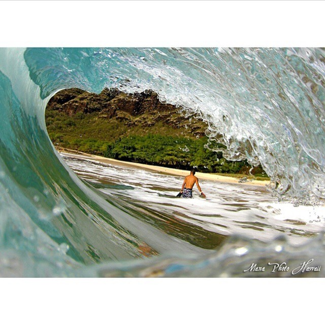 Repost from @manaphotohawaii, who caught our Sandy Beach Collection boardshorts in action! Released last year, we made these in collaboration with @fisheyehawaii and 24 talented photographers! #inspiredboardshorts