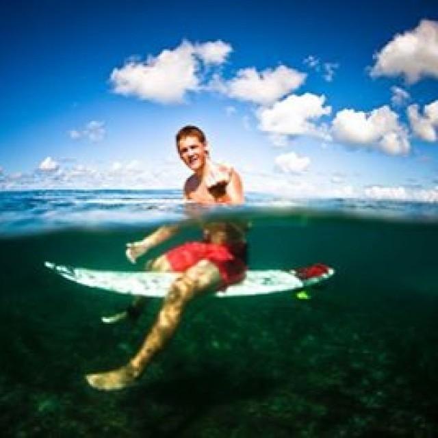 Un saludo de Feli desde Hawaii. Buen Domingo amigos! @felisuarez1 @juanbacagianis #Volcom #Surf #Hawaii