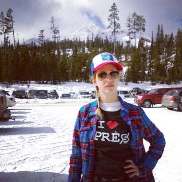 #montuckycoldsnacks #montanalife #iloveapres #JustSendIt #bridger #girlsthatrip #skilikeagirl #ridelikeagirl @hollymkey @montuckycoldsnacks @zayjmad191 #montucky #trailgating