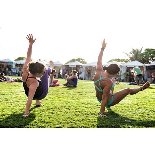 Love this shot of @nautilussup and @waveofwellness demoing breakdancing tabata workouts @wanderlustfest @turtlebayresort  Great pic @allliiibaba! #localhoneydesigns #tabata #breakdancing #oahu #hawaii #turtlebayresort #bornfree #girlpowered #poiyoga...