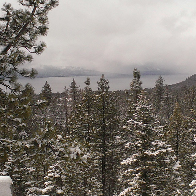 Finally seeing some white in #tahoe #snow #wintersback #getoutdoors #graniterocx