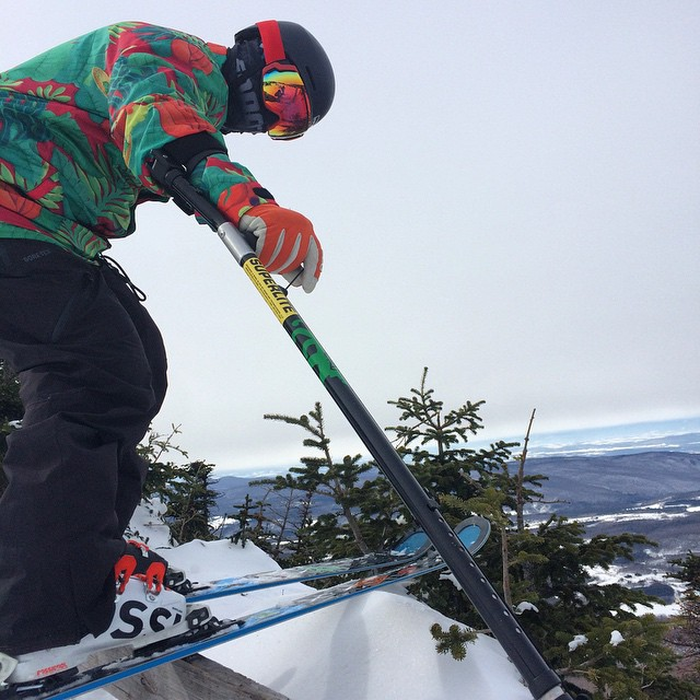 #highfivesFOUNDER Roy Tuscany sliding wooden rails at @sugarbush_vt today for the #FATskiathon