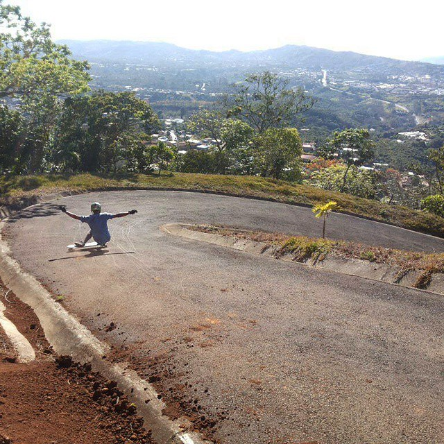 @carlosm_dmcr getting gnarly in paradise. #CostaRica #paradise #longboardcostarica
