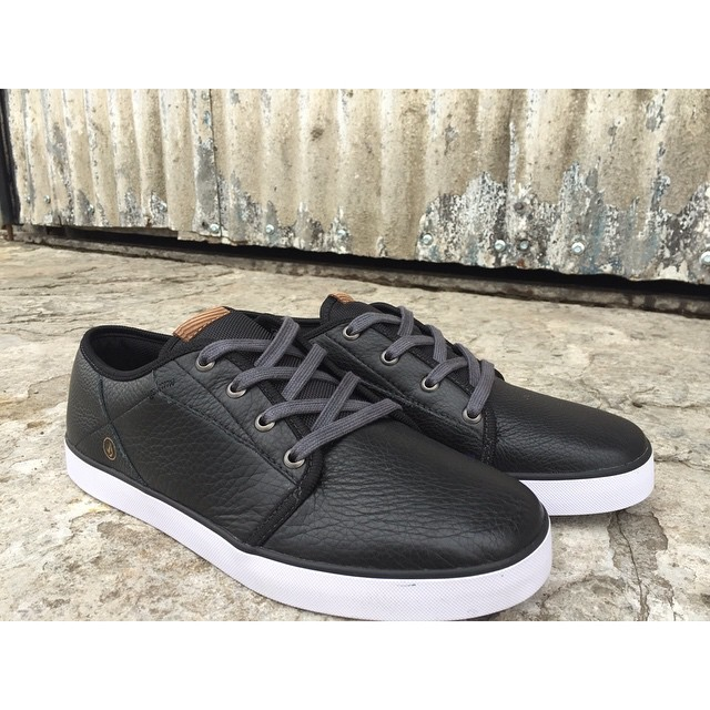 Grimm Black Leather #Volcomfootwear #Invierno15 #W15 #TrueToThis