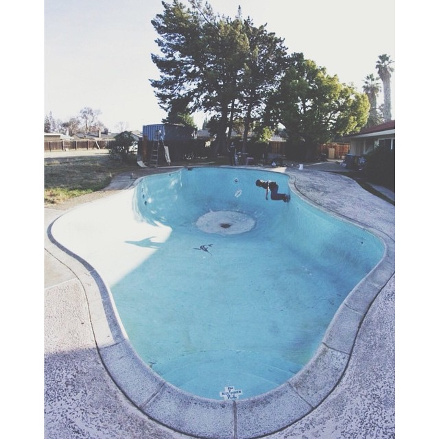 Could use a good pool sesh. #SkateTheEdges