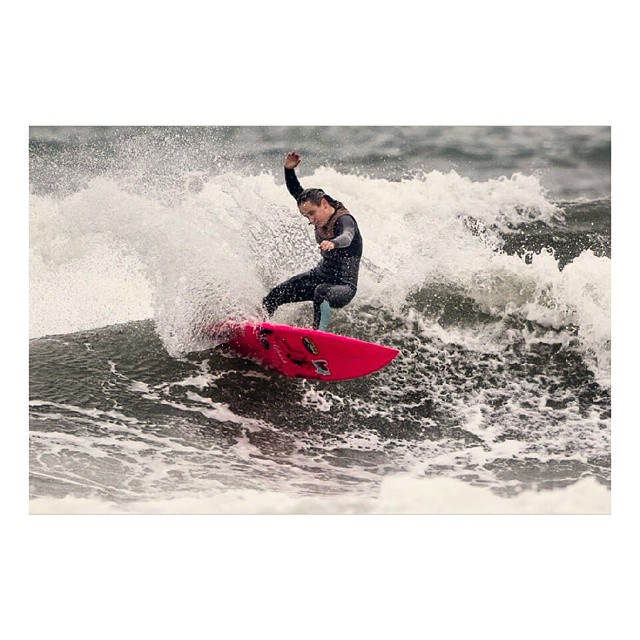 Team rider hannah blevins shredding in some gnarly conditions at SURFING AMERICA PRIME this past weekend. YEW! #luvsurfapparel #wearthecalidream #surflikeagirl #shredthegnar