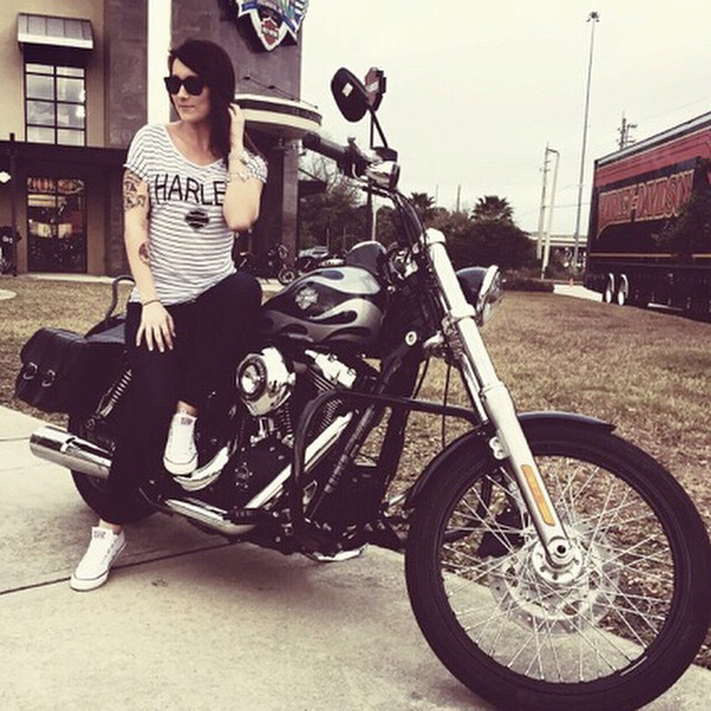    No Harley is complete without a #HovenHunny wearing Katz    #hovenvision #neversettle #harleydavidson #ladybiker #florida #mondayblues #custom