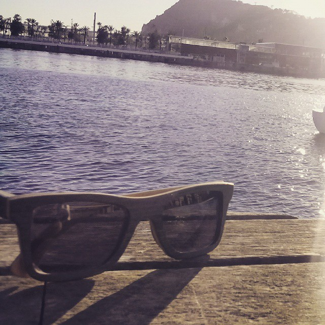Unos #Aconcagua Azul reposando en la marina de #Barcelona.  Conseguí tus #koosh en http://www.kooshweb.com, enviamos a todo el país.
