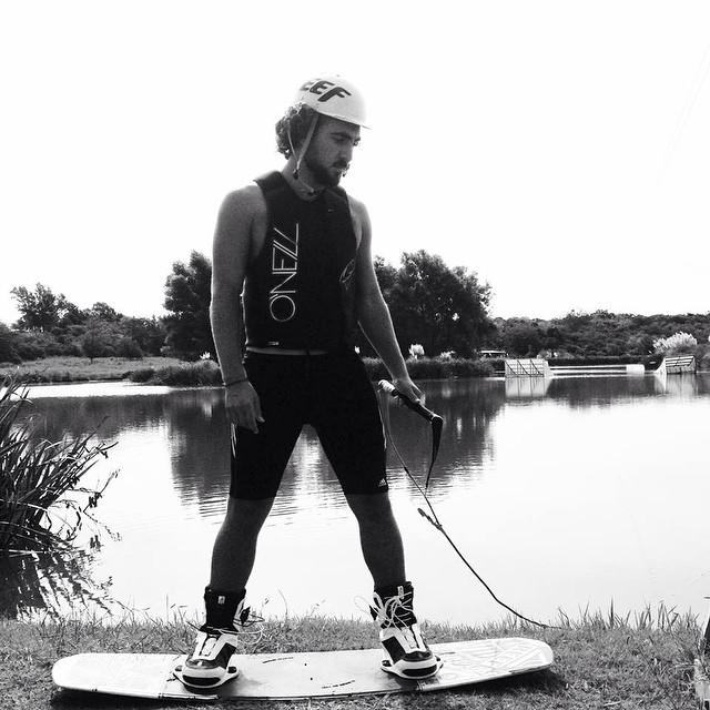 @tomikaragozian style.- #wake #river #summer #reefargentina