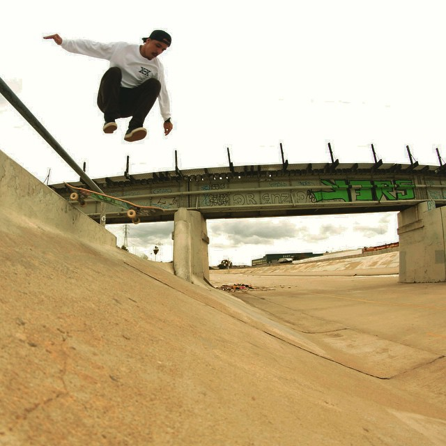 @radicalsmith hippy jumping on new #caliberstandards #LA #skateboarding @808skate #whiskeyproject