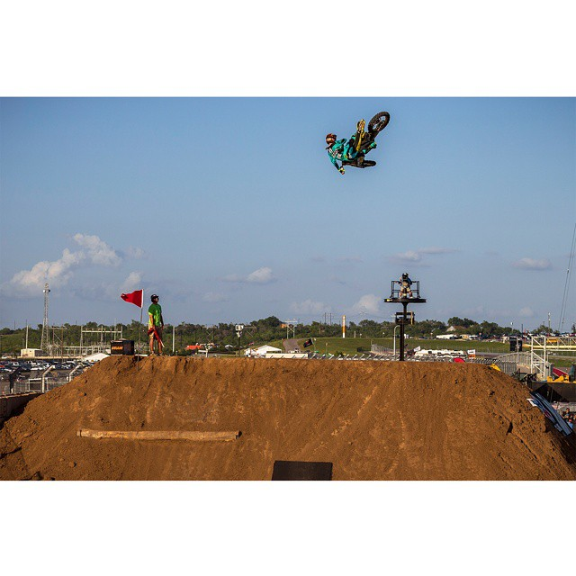 #XGames Moto X Speed & Style gold medalist @lancecoury turned 25 years old today. (